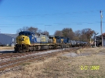 CSX 674 leads southbound Q647