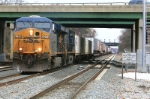 CSX 5274 leading the Q273-02 westbound