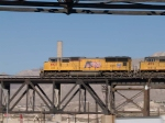 UP 4803 leads a WB doublestack (KATLB) at 1:50pm