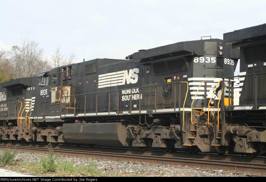 NS 8935