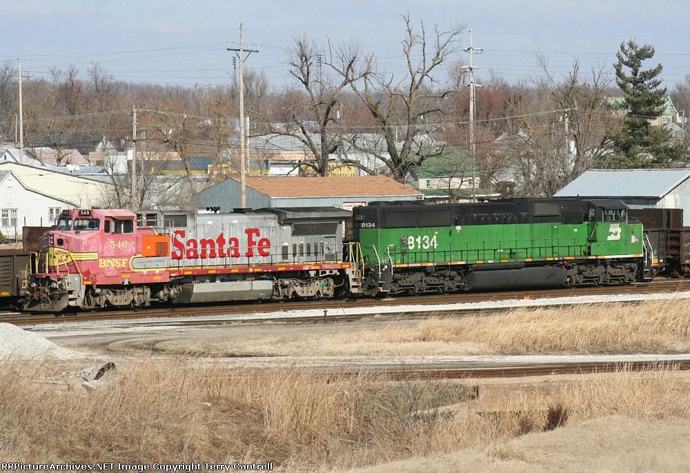 BNSF 549/BNSF 8134