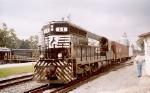 NS 58 w/ train
