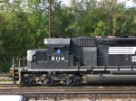 NS 6114 comes to a stop