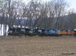 NS 8822 rolling along the Susquehanna River