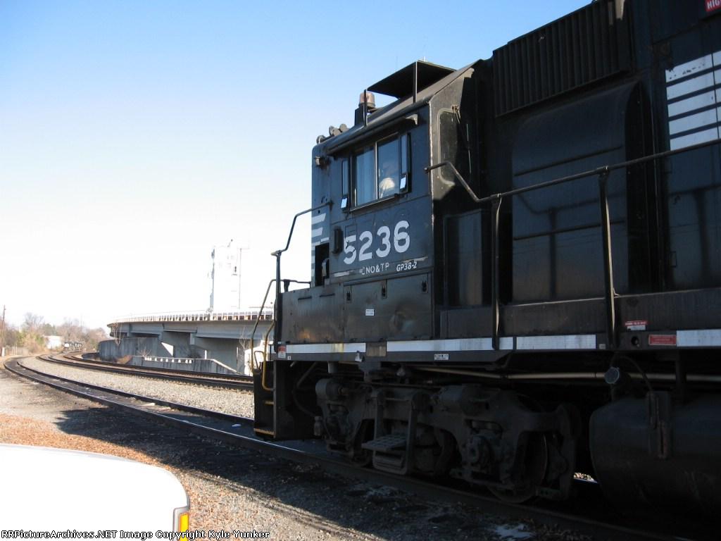 NS 5236