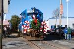 The 5290 leads the Santa Train