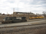 NS 9151 waits for two UP units on the CSX to head east