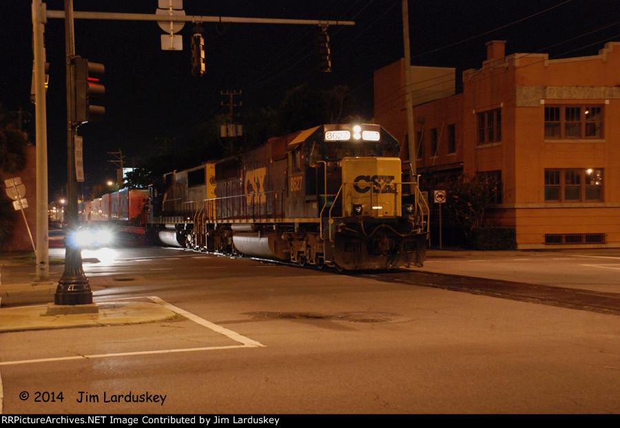 CSX 8627 Doubles the circus train on Taragona St