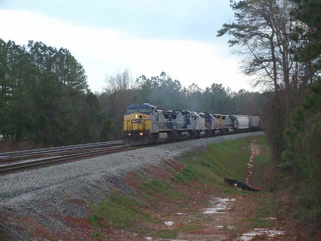 CSX Train Q674 arrives