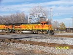 BNSF 578 leads BNSF-to-NS transfer at 32nd street