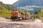 BNSF 4977 Heads Down Hill