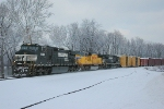 NS 11R Moving fast thru fresh snow!