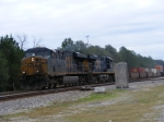 Another shot of CSX 5283 highballin thru gloomy Folkston