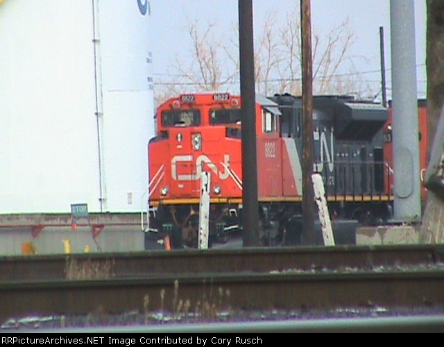 CN 8822 SD70M-2 fuels up