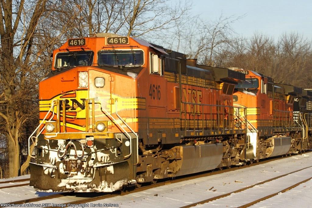 BNSF 4616 C44-9W