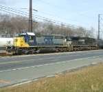 CA-11 with CSX 8829, complete with christmas wreath, leads NS 8814