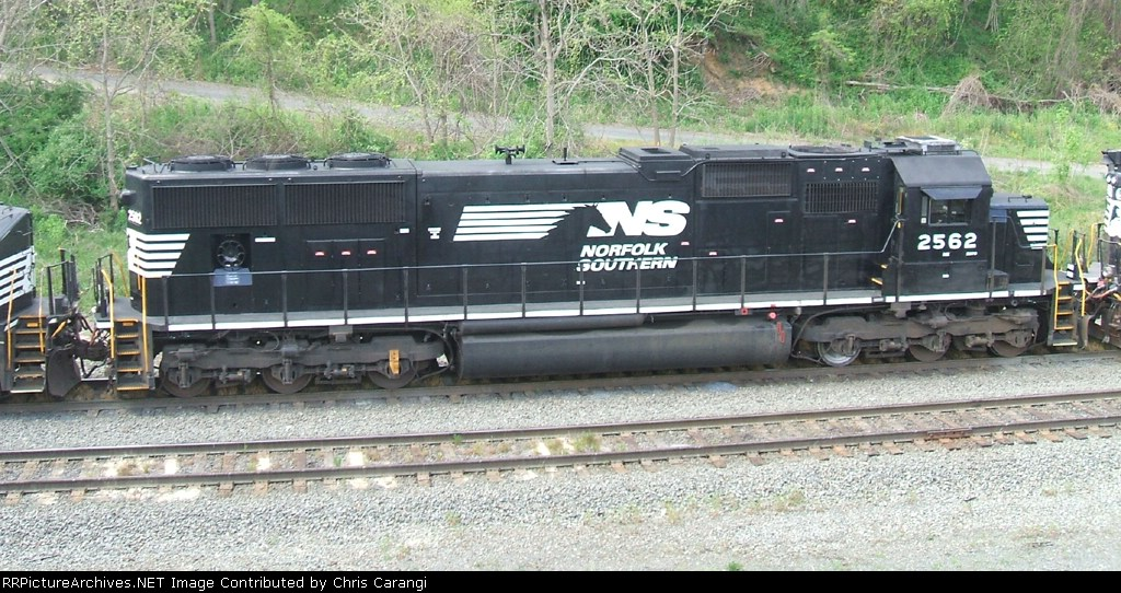 NS 2562 on 34A