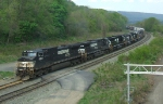 NS 9368 & 7 other units lead 34A into the yard