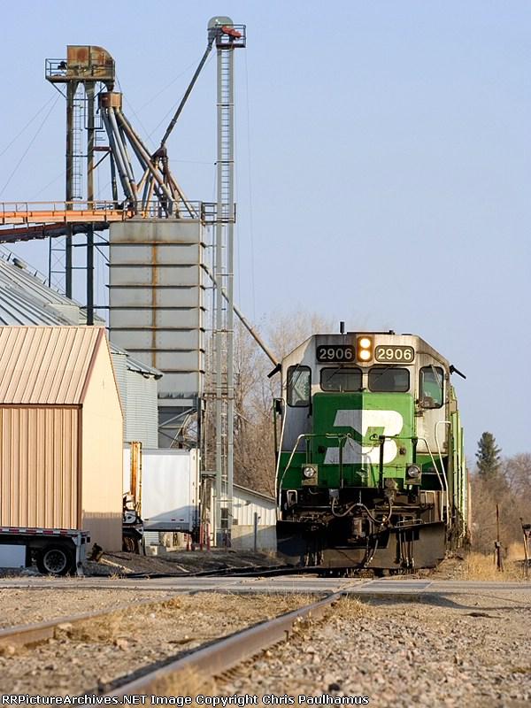 BNSF 2906 (Mayville Local)