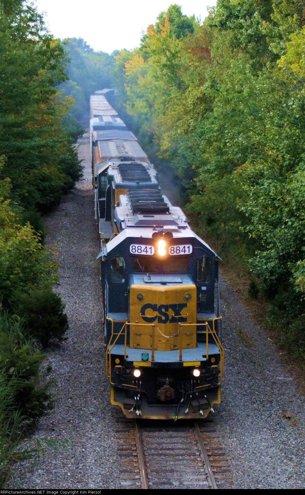 CSX 8841 Q300