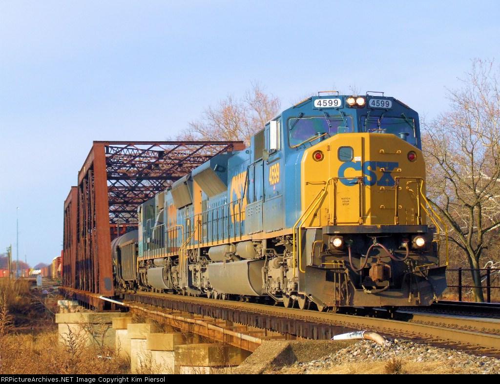 CSX 4599 Q410