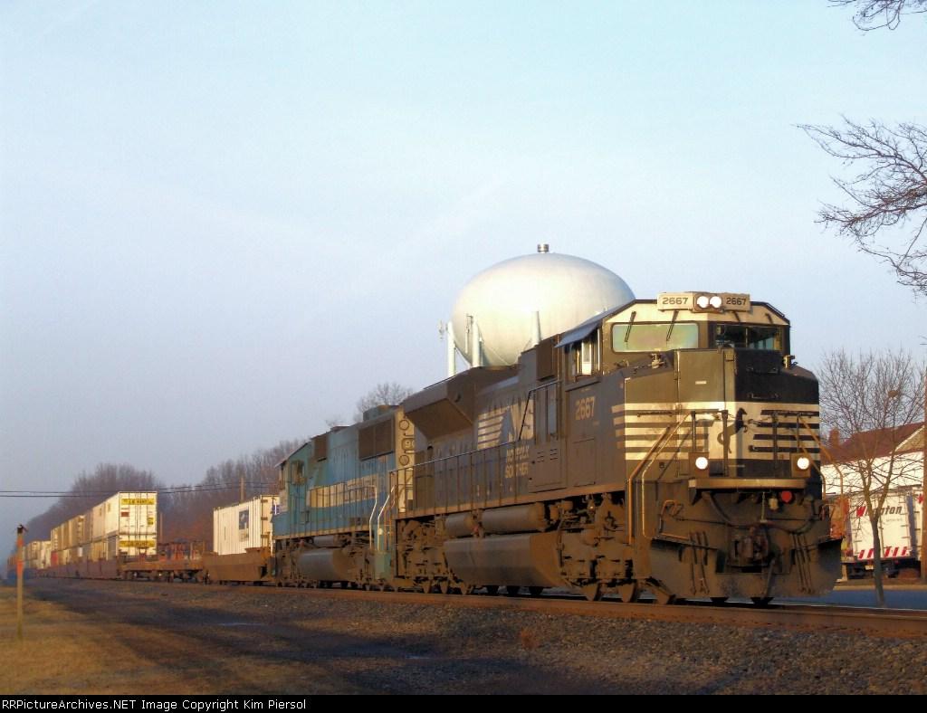 NS 2667 Train 214