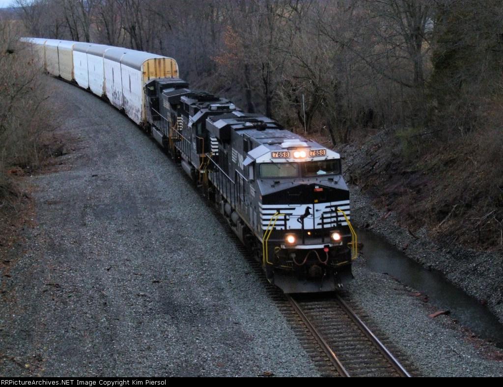 NS 7658 Train 212