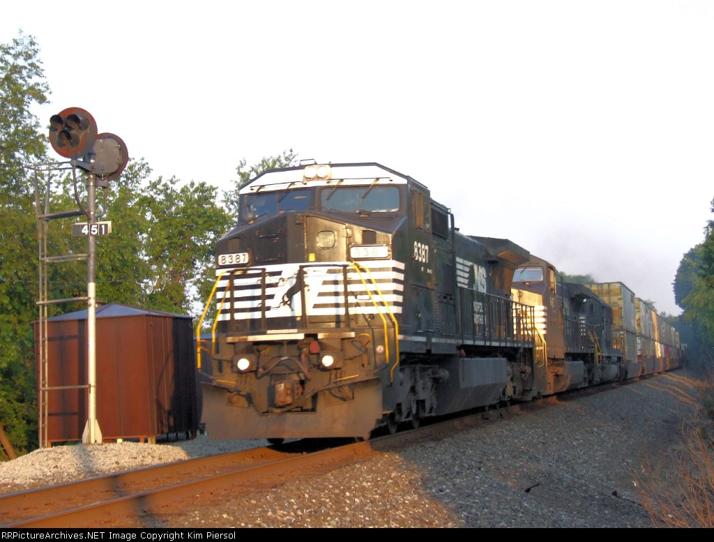 NS 8387 Train 214