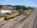 080614045 Westbound UP freight makes backup move into ex-C&NW East Mpls Yard