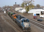 081105004 Westbound BNSF freight crosses over at CTC Van Buren heading for Wayzata Sub.