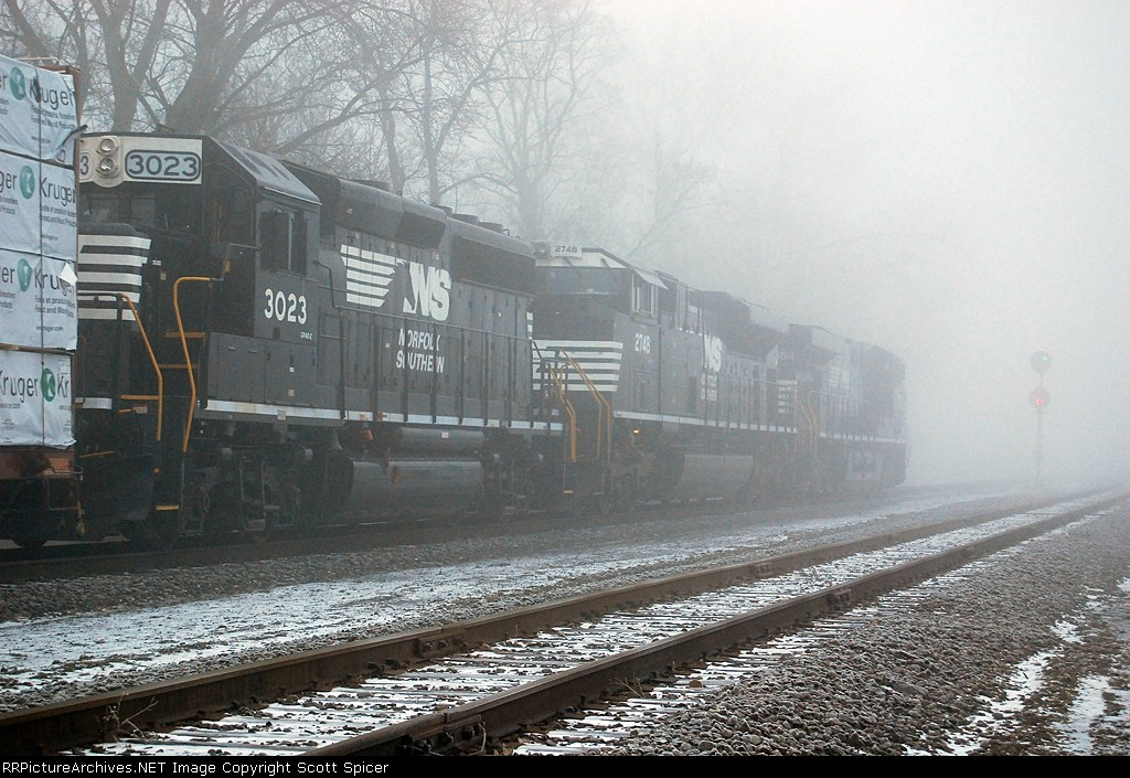 NS 30T Approaching Signals Under Heavy Fog