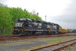 NS H3W approaches CP Norry while working the yard