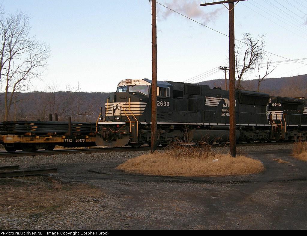 NS 2639 leading 35Q south