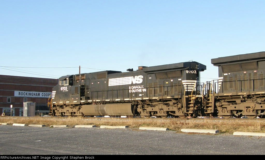 NS 9703