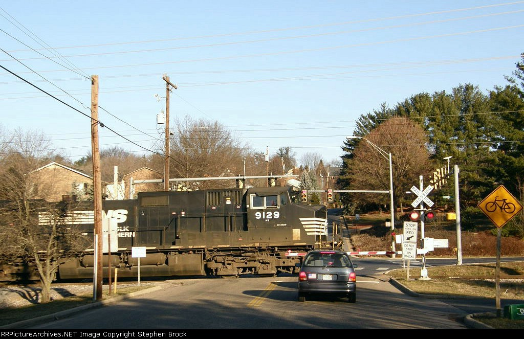 NS 9129 crossing Paul St.