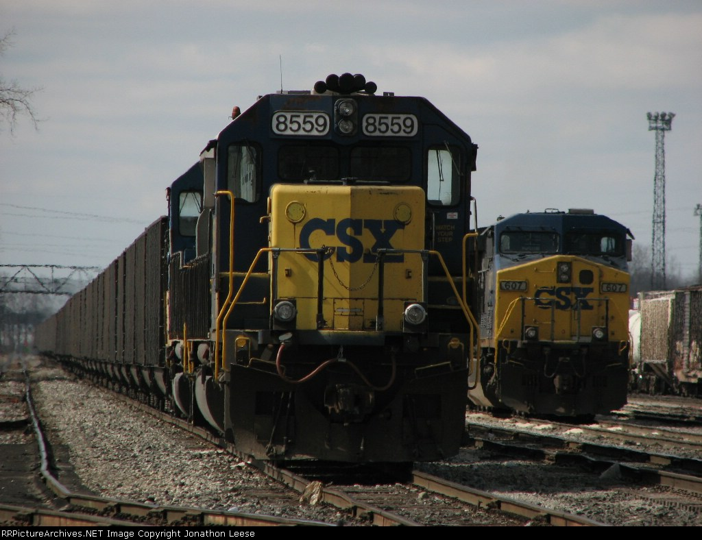 X900 and Q334 sit in the yard with no crews