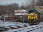 CSX 9052 Leads Q335 into the yard