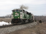 BNSF 8113 throttles up as Q326 heads for points east