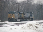 CSX 5222 & 7661 rest near the west end of the yard after bringing Q335-05 in from Toledo