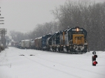CSX 6070 leads D900 into the yard with 60 cars in tow