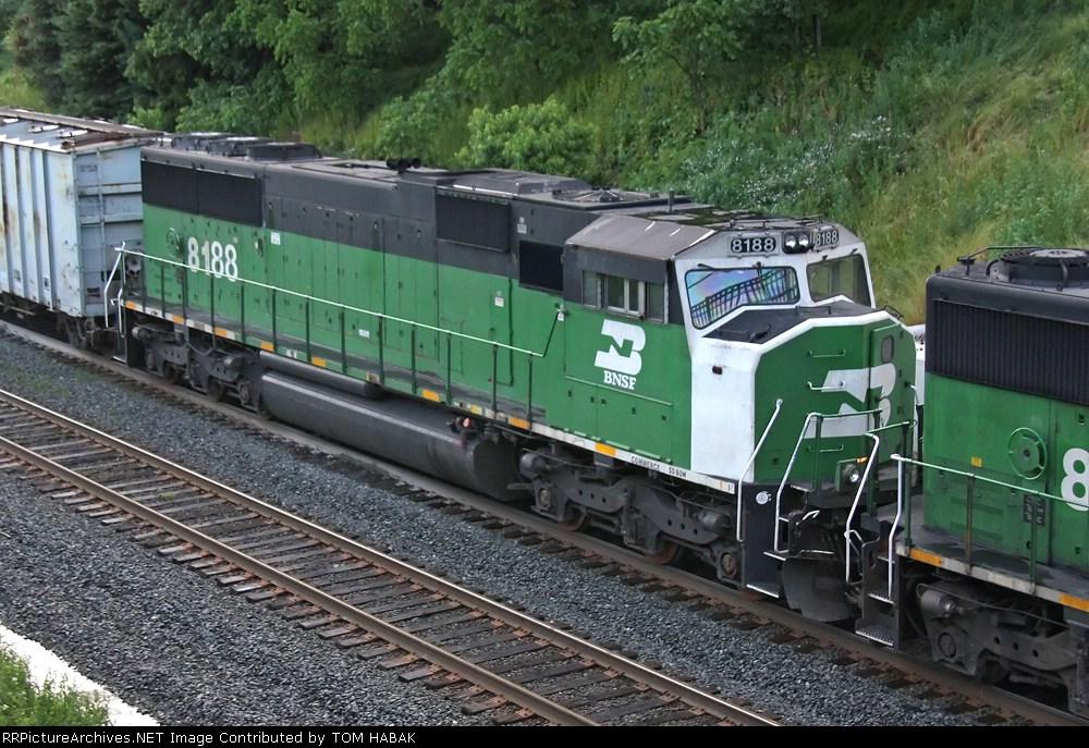 BNSF 8188 on CSX K690-07