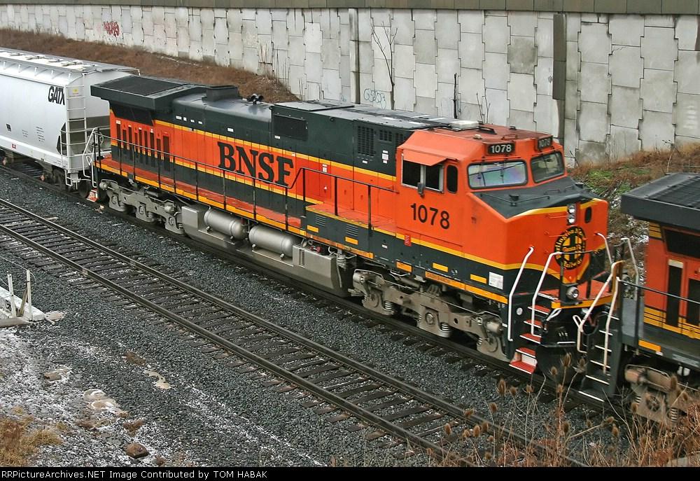 BNSF 1078 on CSX Q380-31