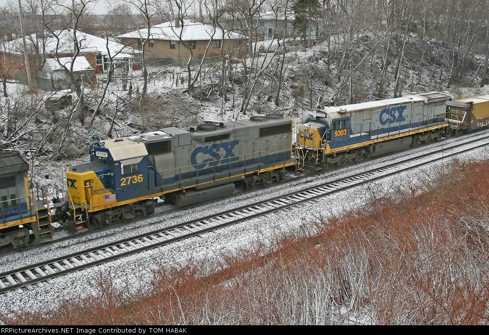 CSX 2736 on Q151-07