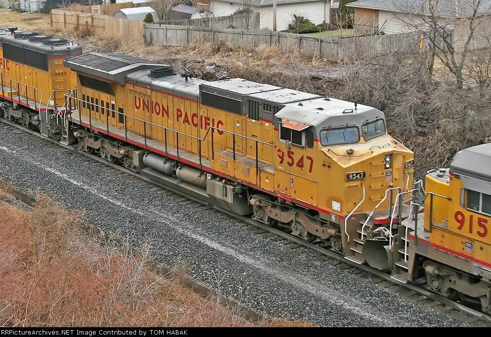 UP 9547 on CSX Q390-03