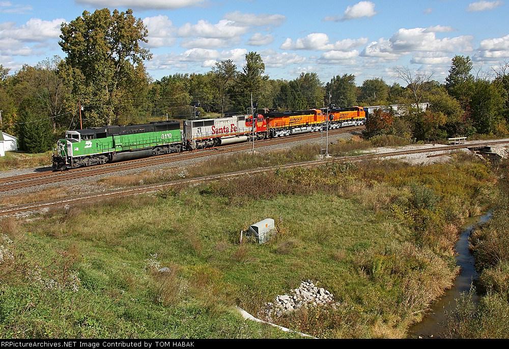 BNSF 8110 on CSX Q381-02