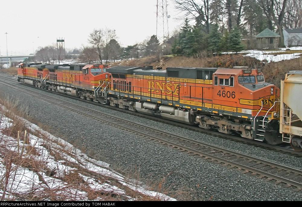BNSF 4606 on CSX Q381-13