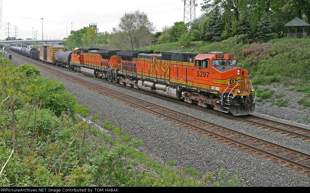 BNSF 5297 on CSX Q380-08
