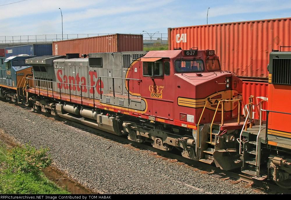 BNSF 637 on CSX Q380-09