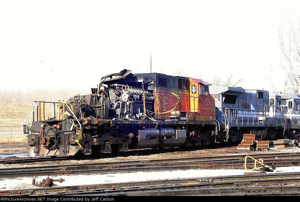 Wreck-damaged BNSF 5116