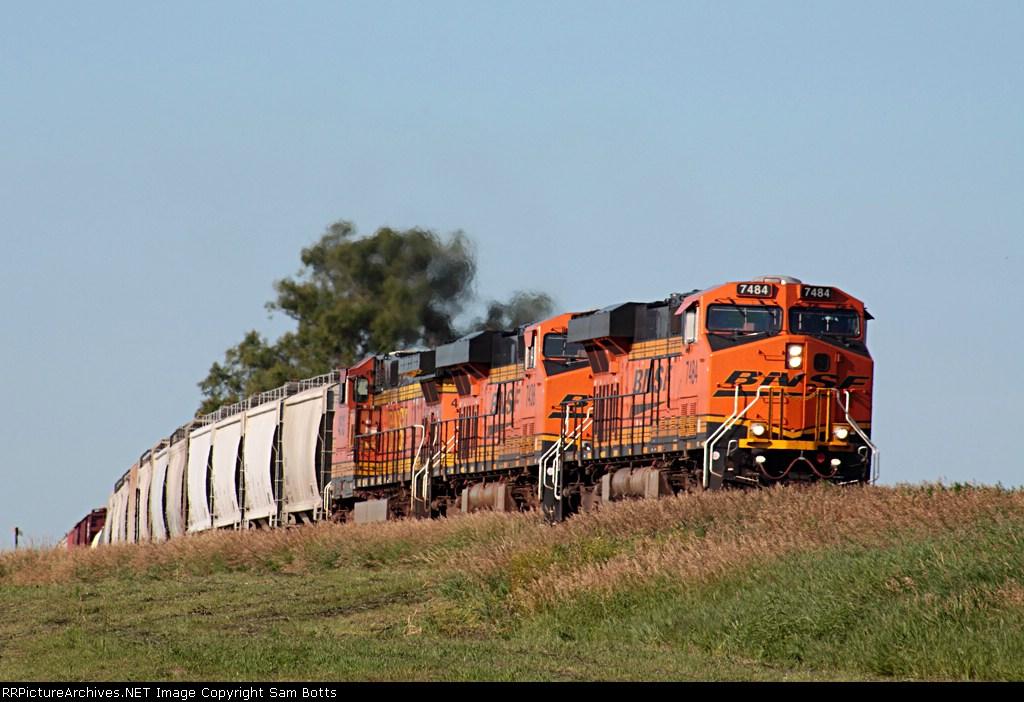 BNSF 7484